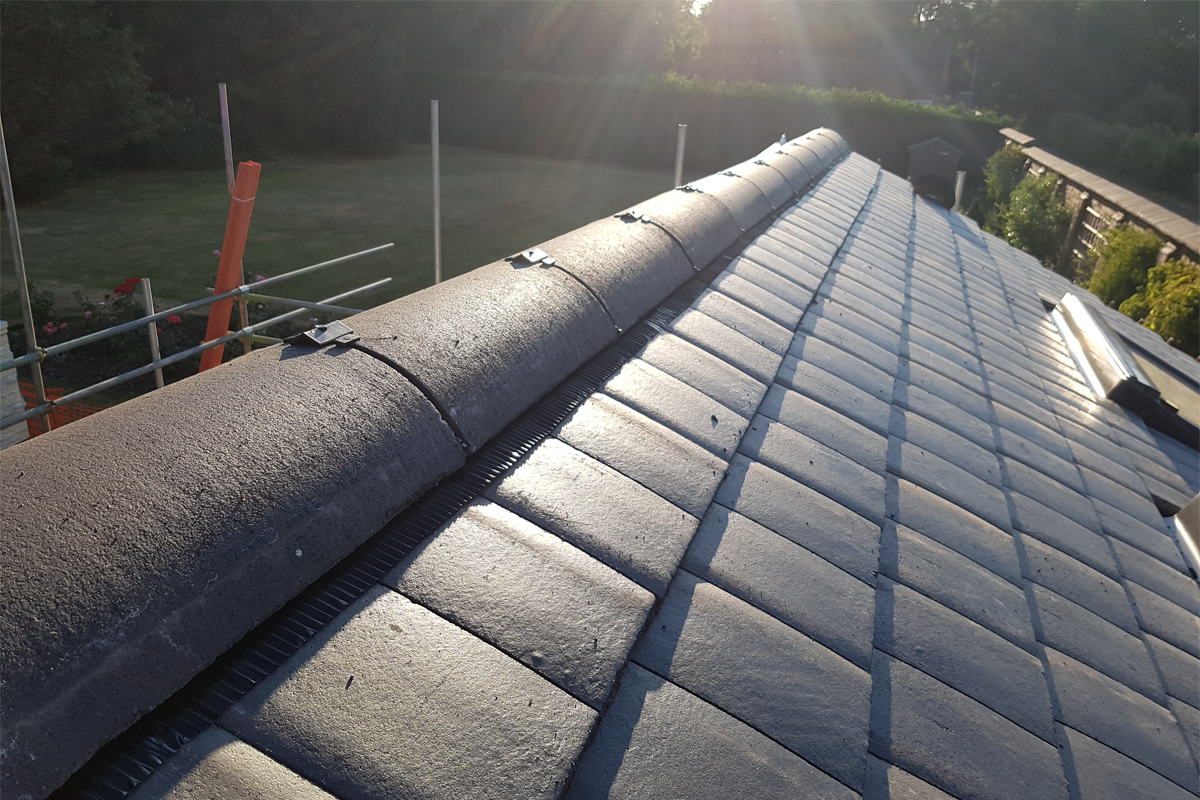 Danelaw CON6 dry fix ridge and hip system - Interlocking Plain Tile Roof_House Extension